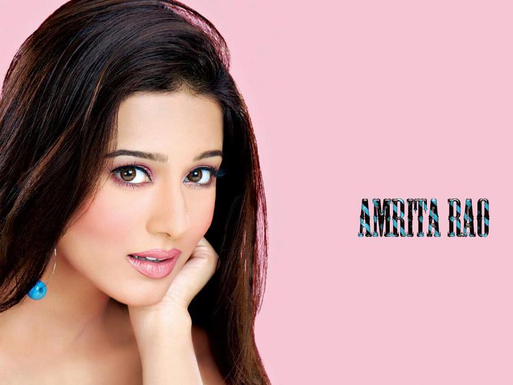 Amrita Rao Cute Face Look Wallpaper