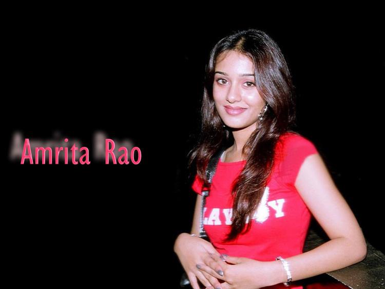 Amrita Rao Red T Shirt Pic