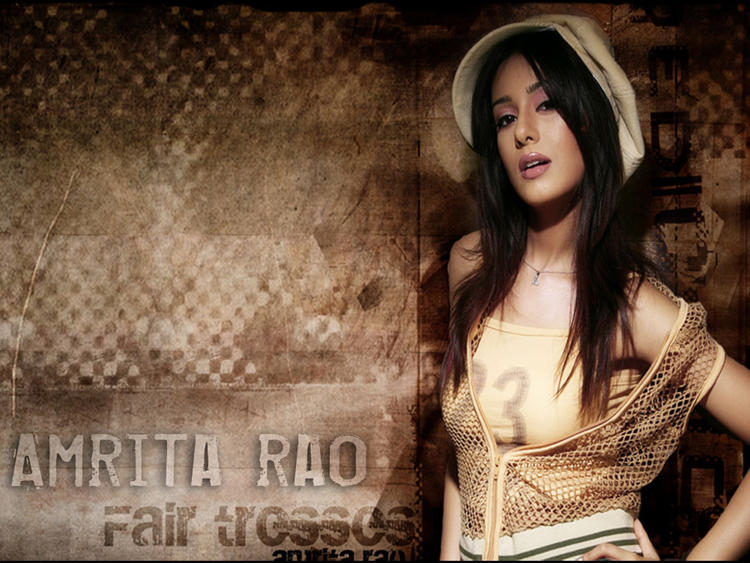 Amrita Rao Romantic Face Look Wallpaper