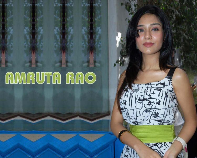 Stunning Babe Amrita Rao Wallpaper