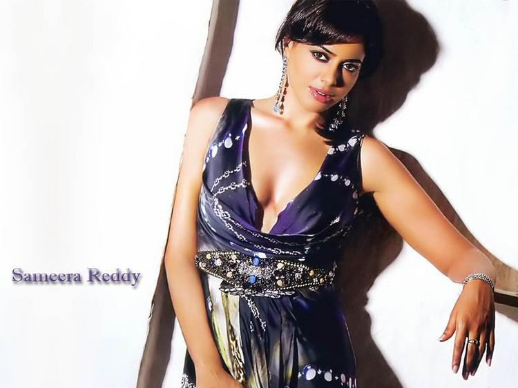 Sameera Reddy Rock Hair Style Wallpaper
