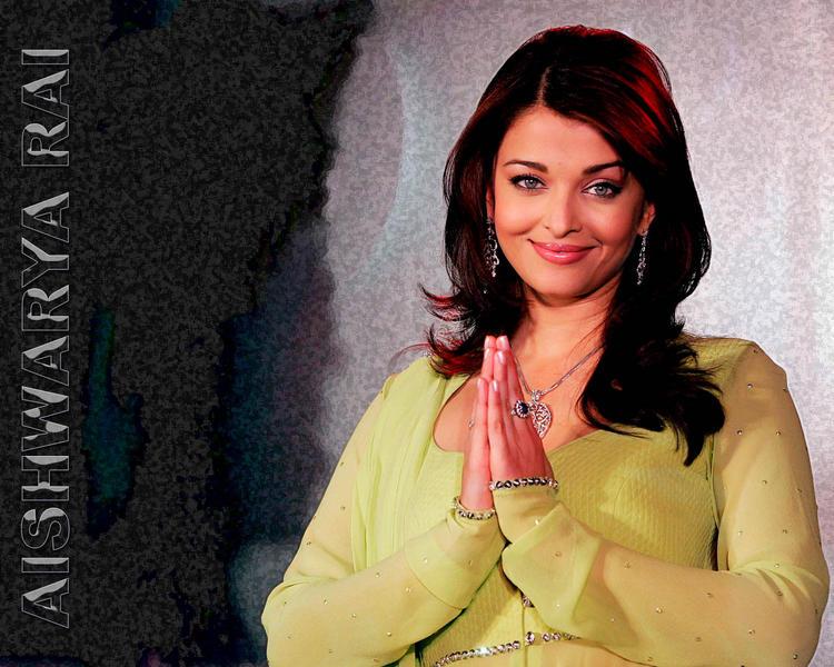 Aishwarya Rai Beauty Smile Face Wallpaper
