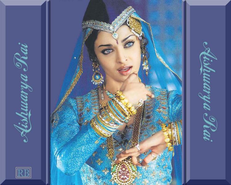 Aishwarya Rai Cute Dancing Pose Wallpaper