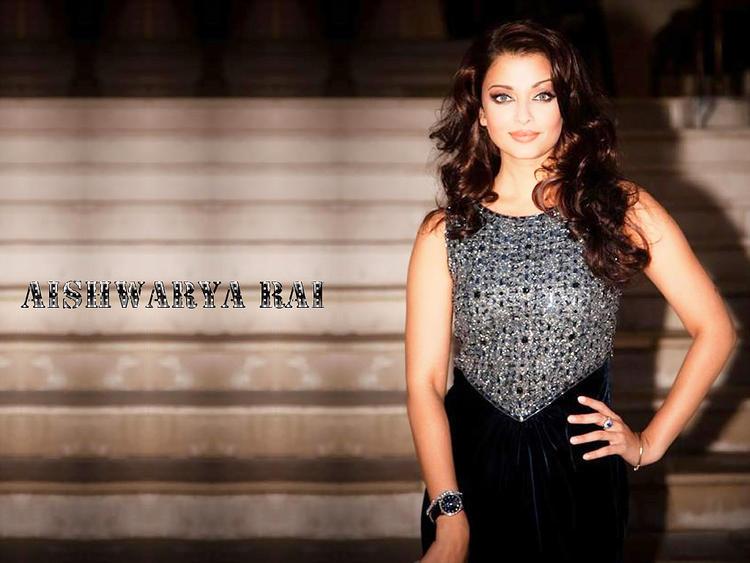 Aishwarya Rai Gorgeous Beauty Face Wallpaper