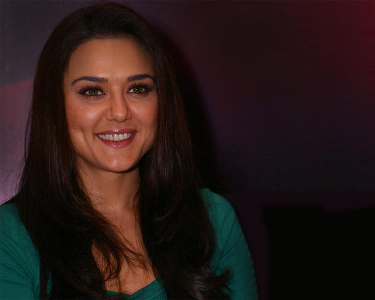 Dimple Babe Preity Zinta Smiling Face Still