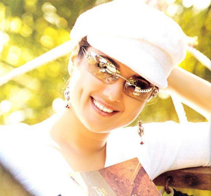 Preity Zinta Cute Face Stunning Pic