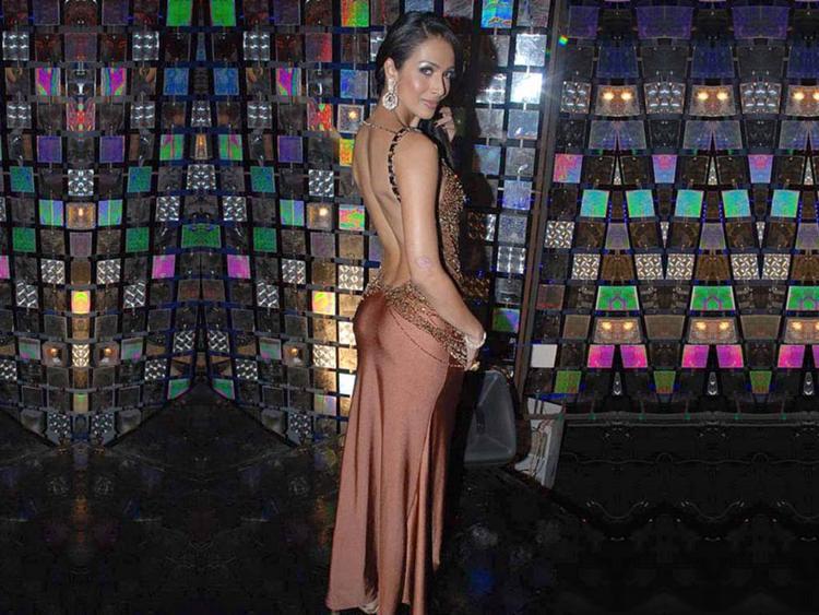 Malaika Arora Sexy Back Bare Glamour Still