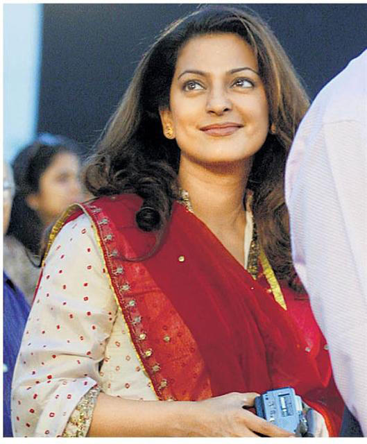 Juhi Chawla Sweet Face Look