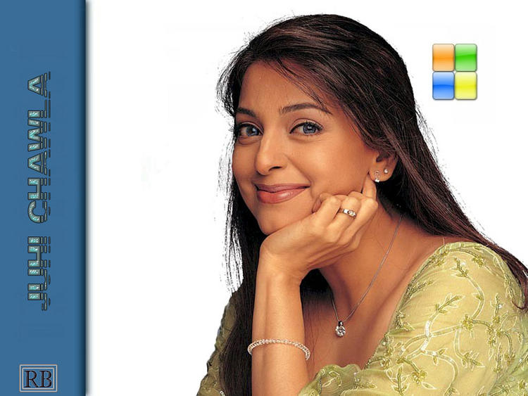 Juhi Chawla Sweet Look wallpaper