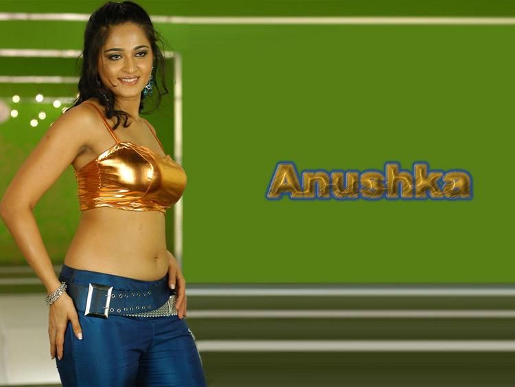 Anushka Shetty Hot Navel Show Wallpaper