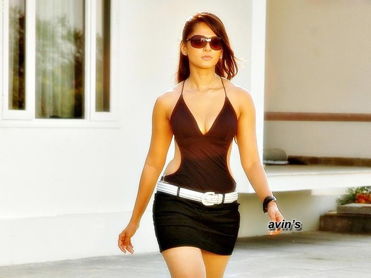 Anushka Shetty Latest Hot Gorgeous Wallpaper