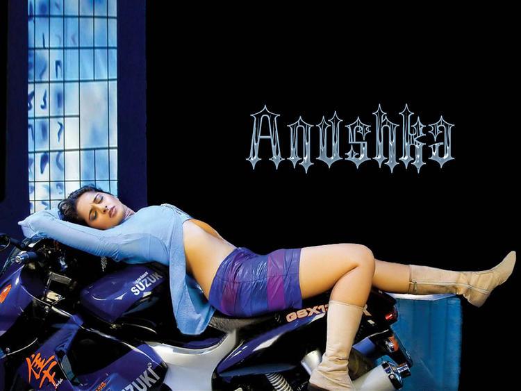 Anushka Shetty Latest Romancing Wallpaper