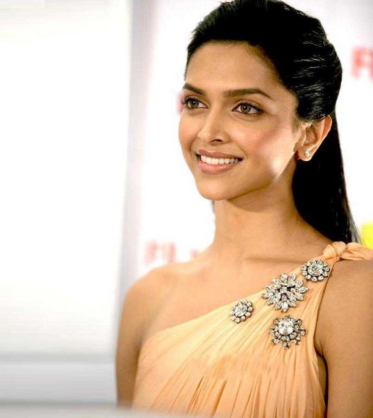Bollywood Diva Deepika Padukone Photo