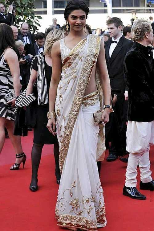 Deepika Padukone Looking So Beautiful