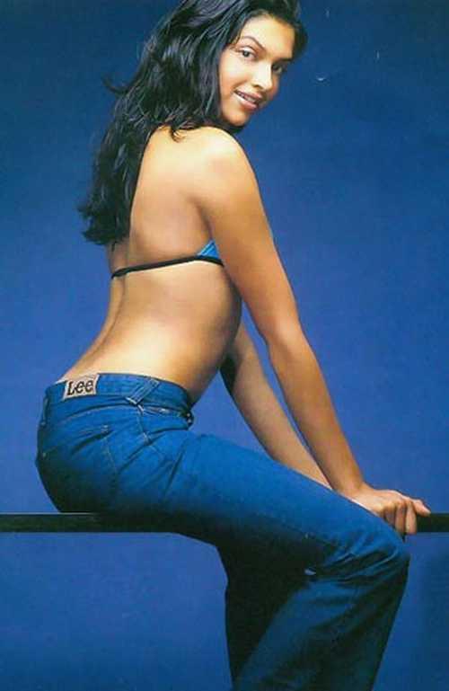 Deepika Padukone Sexy Back Bare Still