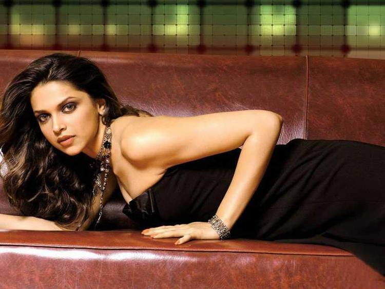 Deepika Padukone Sexy Gorgeous Still