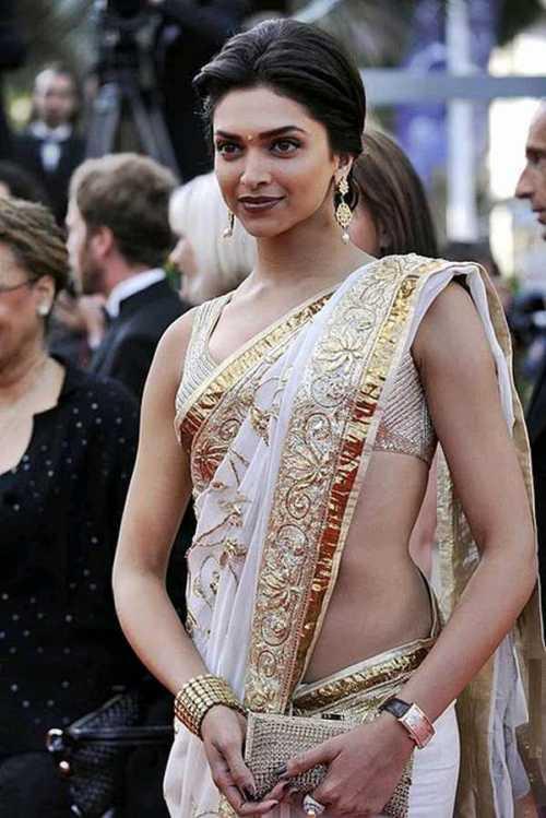 Deepika Padukone Sexy Saree Public Photo