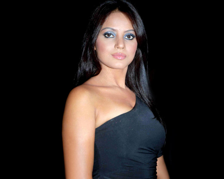 Indian Beauty Queen Neetu Chandra Wallpaper