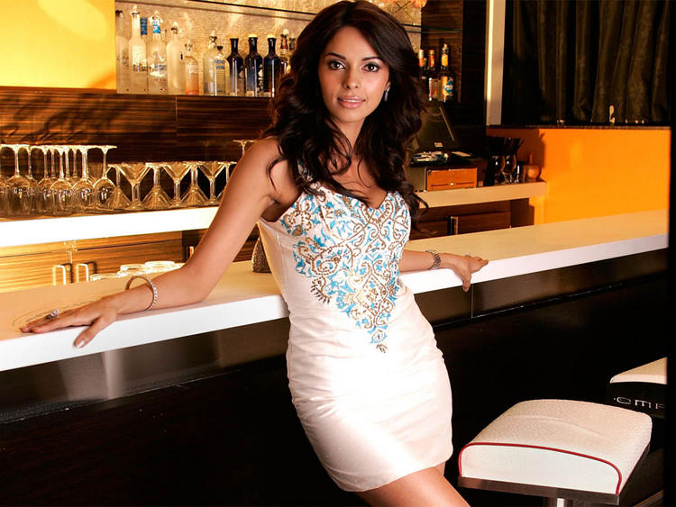 Mallika Sherawat Glamour Photo