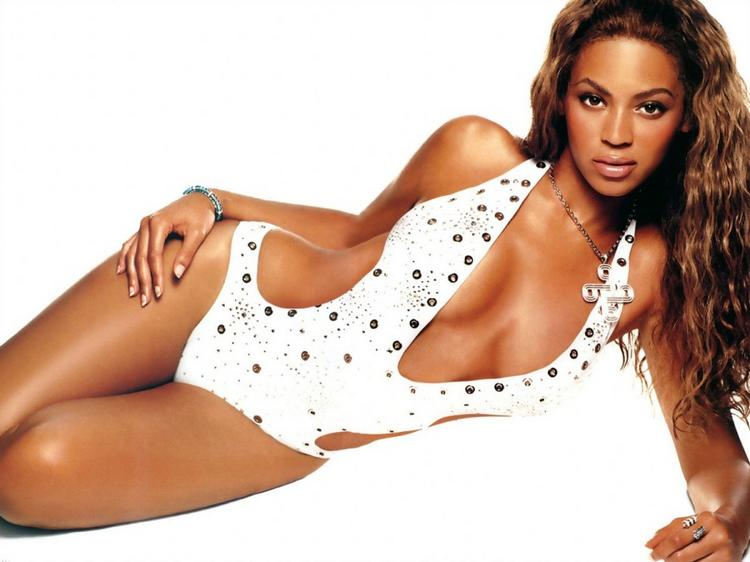 Beyonce Knowles Hot Dressing Romancing Still