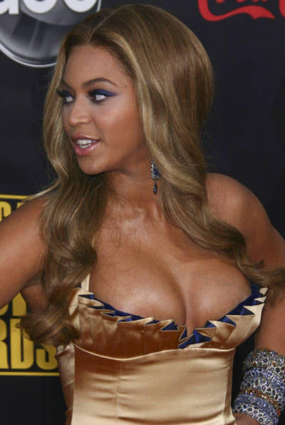 Beyonce Knowles Open Boob Glamour Still