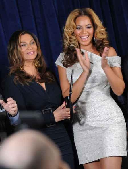 Hot Singer Beyonce Knowles Photo