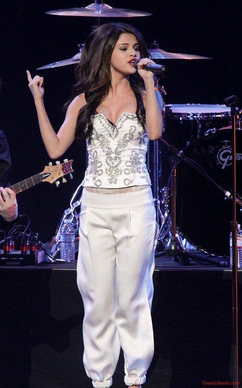Beautiful American Singer Selena Gomez Still