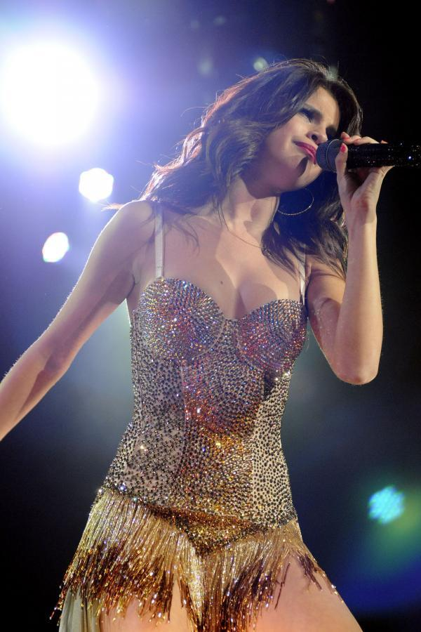 Selena Gomez Performs Live at the Molson Canadian Amphitheatre in Toronto