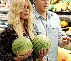 Heidi Montag and Husband Spencer Pratt With Watermelon