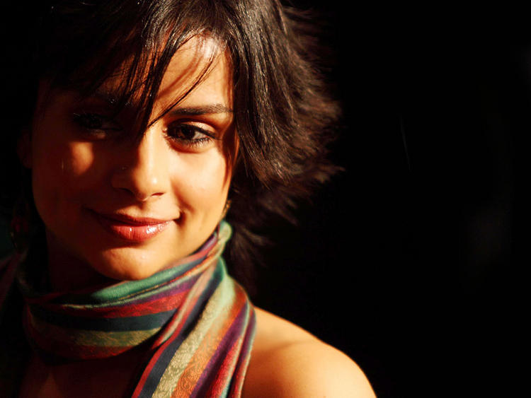 Dimple Beauty Gul Panag Wallpaper