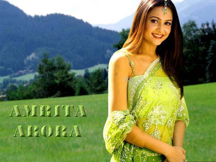 Amrita Arora Awesome Beauty Wallpaper