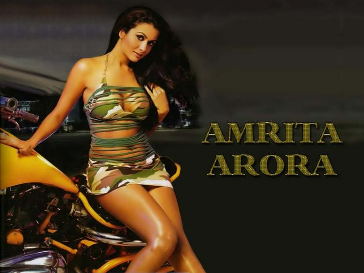 Amrita Arora Sexy Dressing Wallpaper