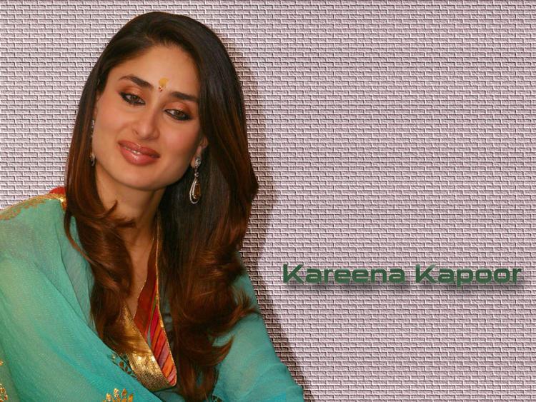 Beauty Queen Kareena Kapoor Wallpaper