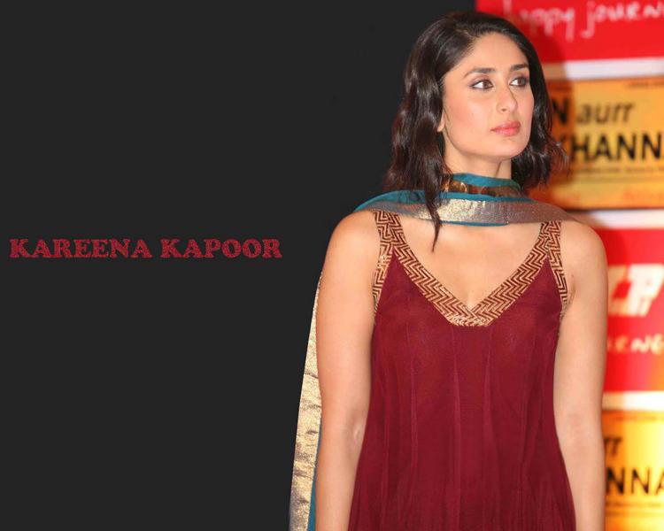 Kareena Kapoor Curly Hair Style Hot Wallpaper