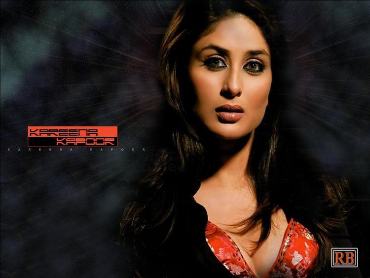 Kareena Kapoor Sizzling Hot Sexy Wallpaper