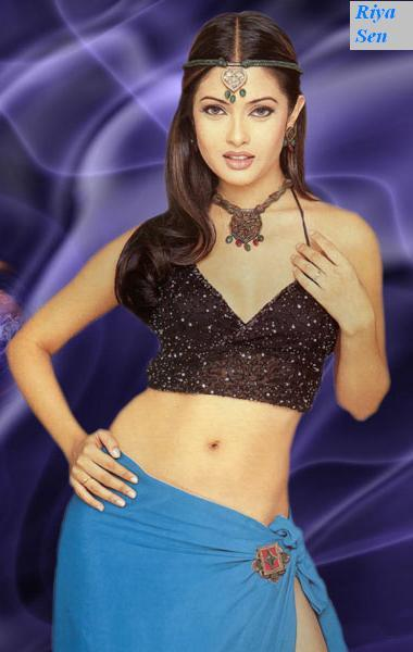Riya Sen Spicy Navel Pose Wallpaper