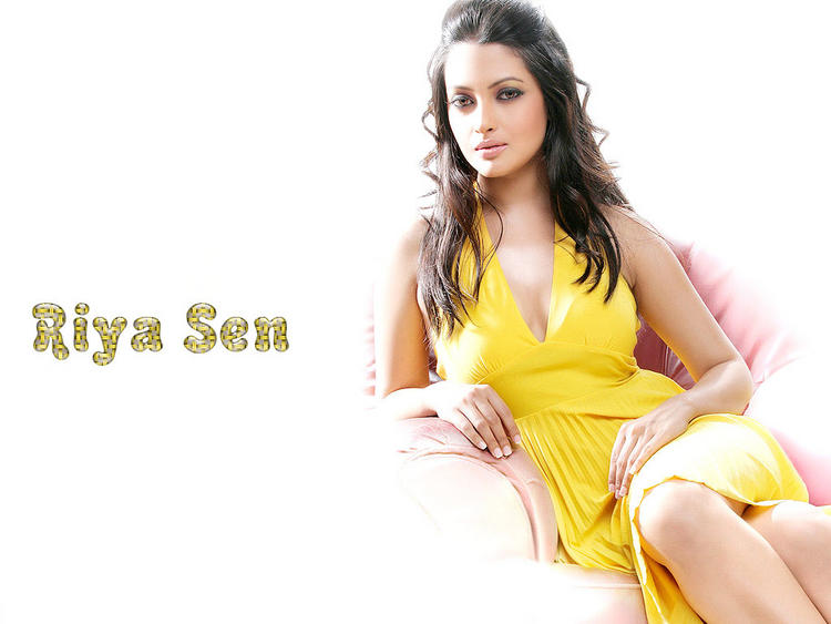 Riya Sen Yellow Dress Glorious Wallpaper