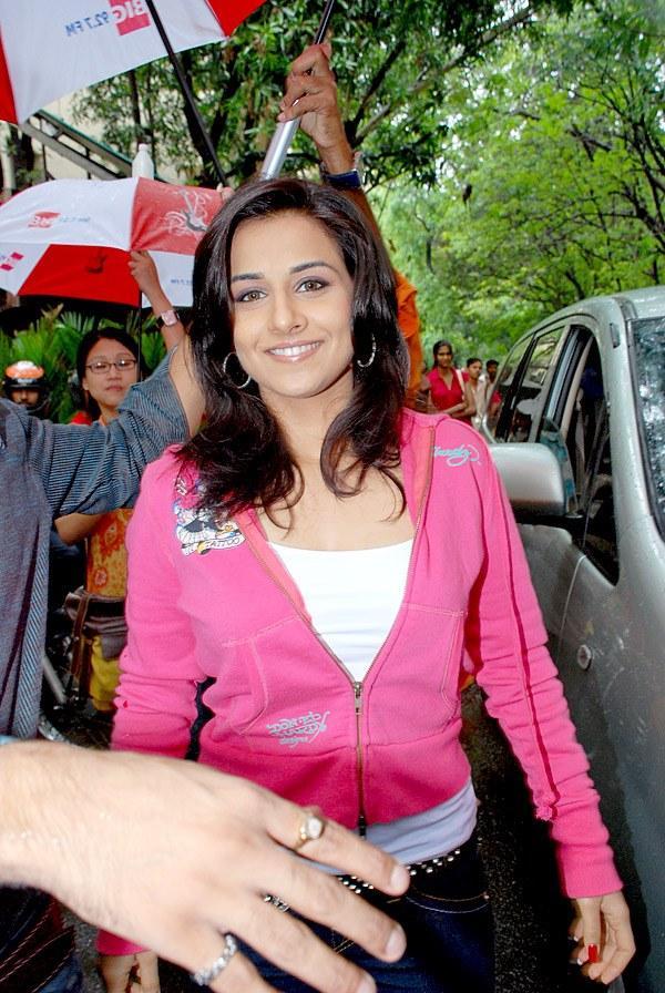 Stunning Babe Vidya Balan Still