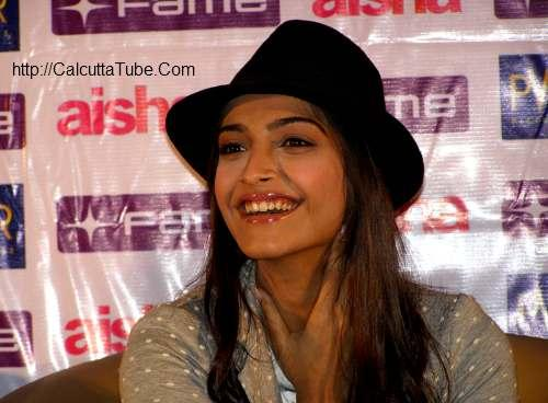Sonam Kapoor Smiling Face Still  in Kolkata