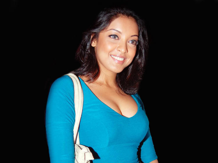 Tanushree Dutta Open Boob Show Gorgeous Wallpaper