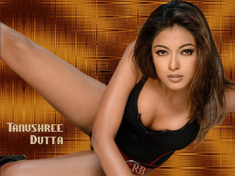 Tanushree Dutta Sexy Boob Show Hot Wallpaper