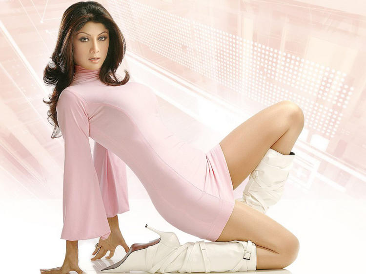 Shilpa Shetty Sexy Hot Looking Still