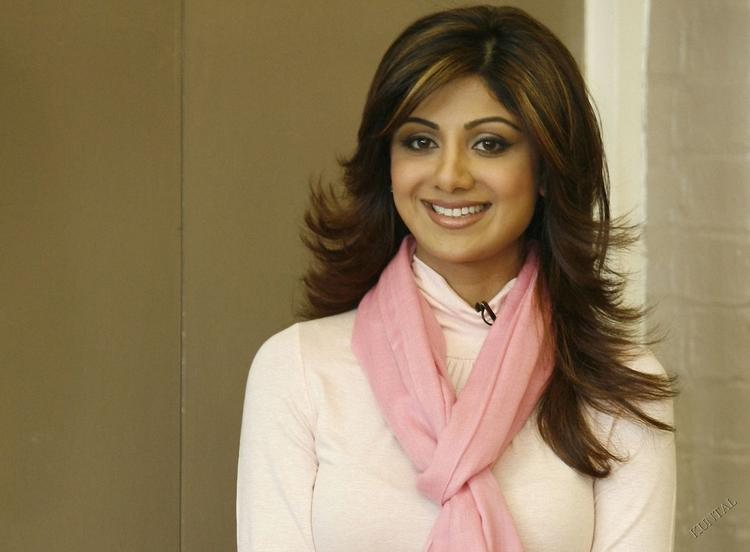 Shilpa Shetty Sweet Look Photo