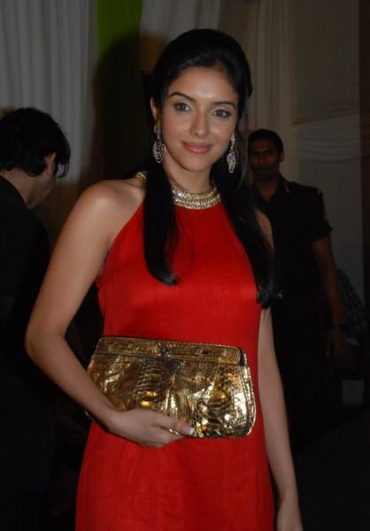 Asin Gorgeous Photo With Red Dress