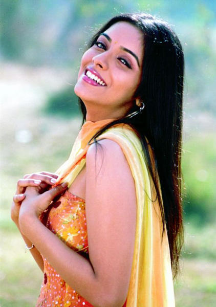 Asin With Open Smile Photo