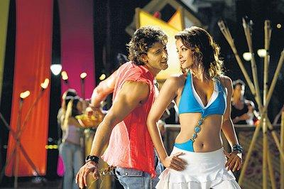 Hrithik Roshan and Aish In Dhoom 2