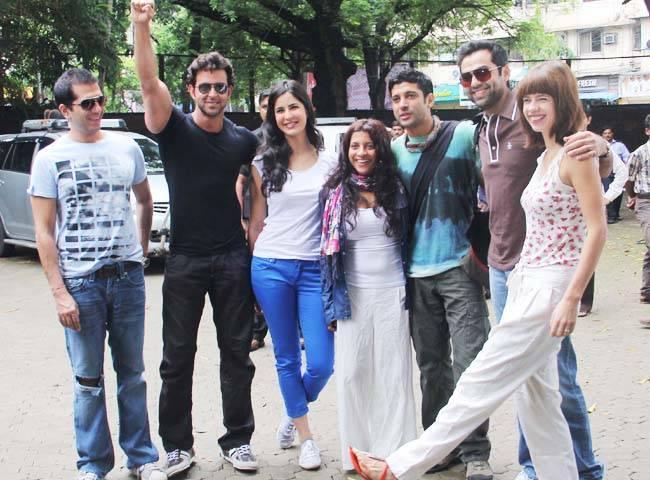 Ritesh Sadhwani,Hrithik,Katrina,Zoya Akhtar,Farhan,Abhay and  Kalki Koechlin Still