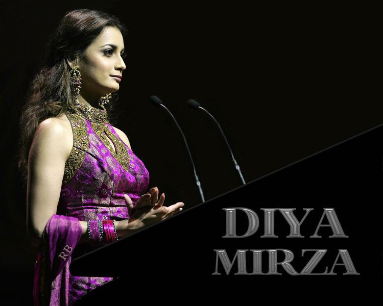 Diya Mirza Awesome Face Look Wallpaper