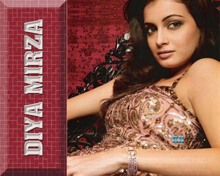 Diya Mirza Hot Glamour Wallpaper