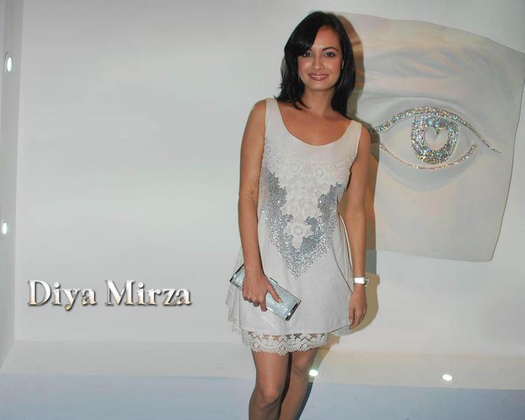 Diya Mirza Short Dress Hot Wallpaper